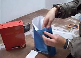 Trabajar en casa armando bolsas de papel
